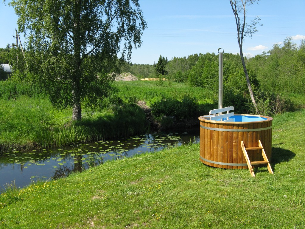 Wooden Hot Tub Guidance Wooden Hot Tubs And Barrel Saunas