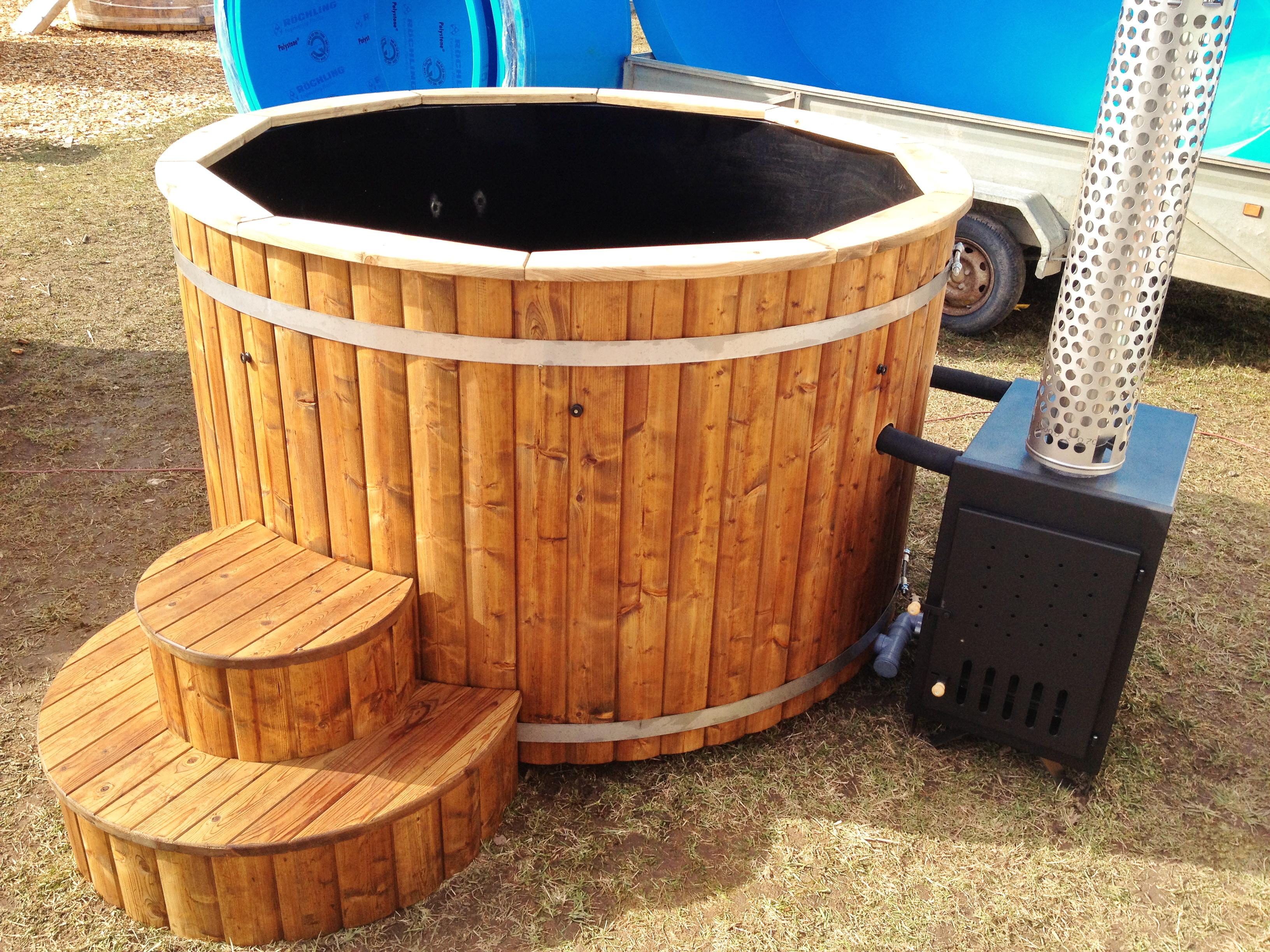 badezuber sauber halten schwimmbad und saunen. Black Bedroom Furniture Sets. Home Design Ideas