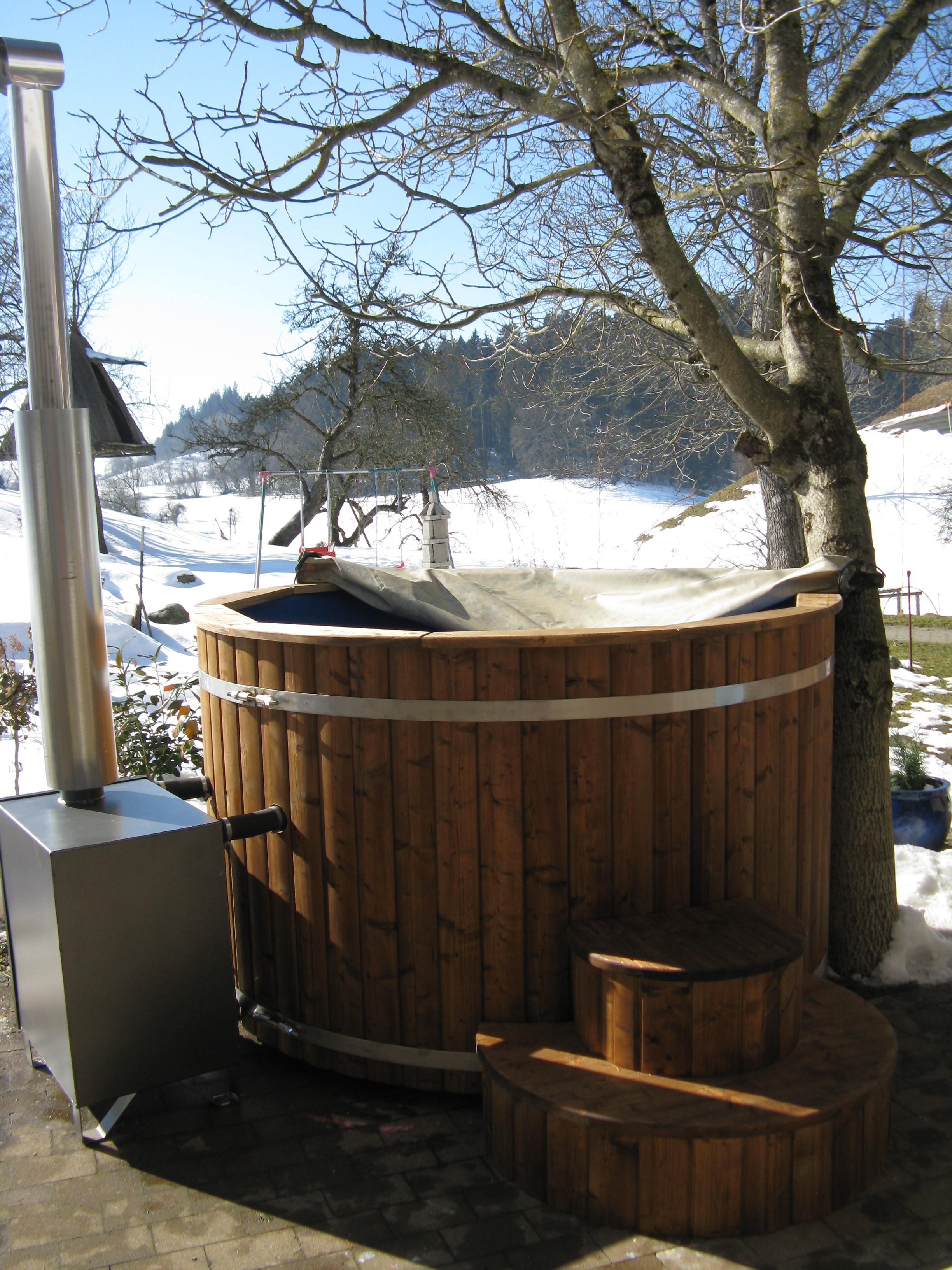 Badezuber 200cm Aus Thermoholz Mit Kunststoff Und Außenofen
