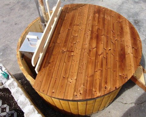 wooden cover for hot tub wooden hot tubs and barrel saunas. Black Bedroom Furniture Sets. Home Design Ideas