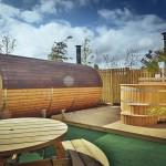 Barrel saunas and hot tubs at Brompton Lakes