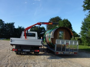 Sauna-Badetonne Transport (mit Kranabladen)