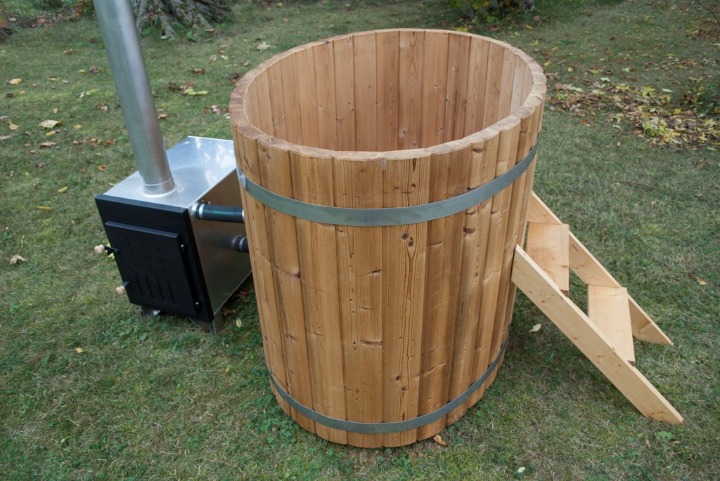 Oval hot tub - Wooden Hot Tubs and Barrel Saunas