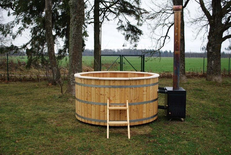 woodfired hot tub 200cm with external heater