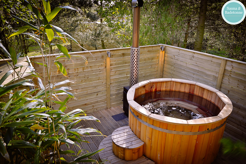 Barrel Saunas And Hot Tubs At Brompton Lakes Badetonnen
