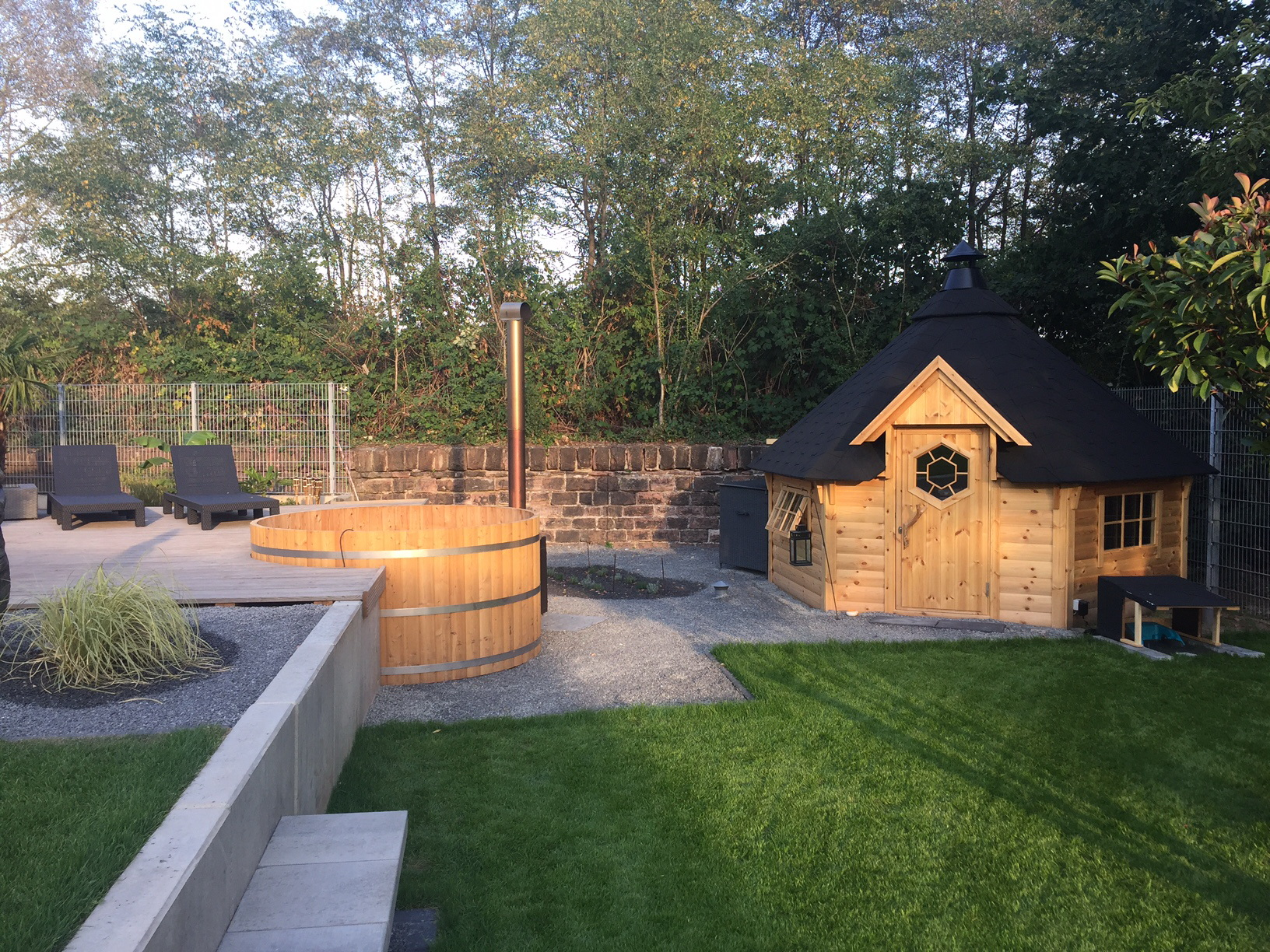 grillkota wooden hot tubs and barrel saunas. Black Bedroom Furniture Sets. Home Design Ideas